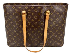 Louis Vuitton Luco Lv Mono Tote in Monogram