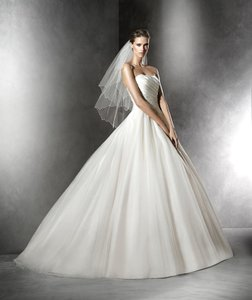 Pronovias Plesana Wedding Dress
