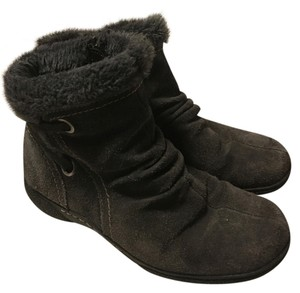 Bare Traps Suede Shearing Gray Boots