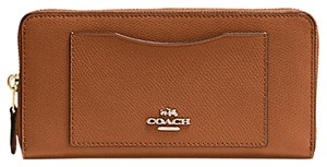 Coach F54007 Coach Accordion Zip Wallet in Crossgrain Leather Saddle Color