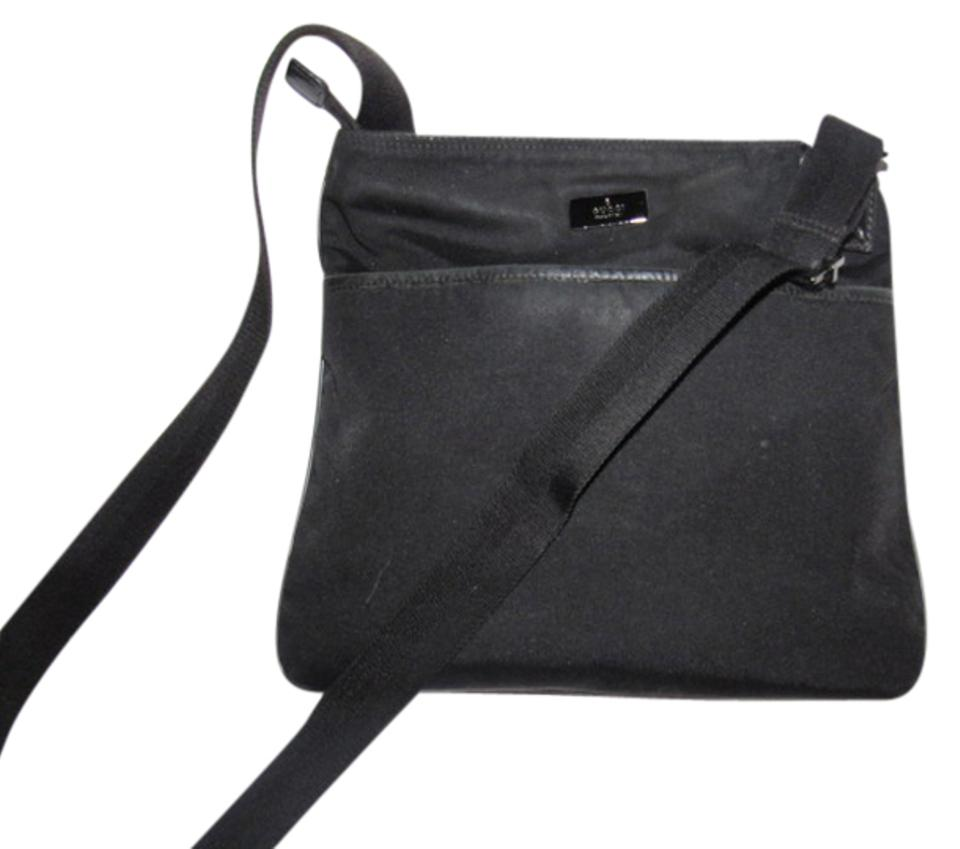 5b0b38be362 Gucci Messenger Cross Body Mint Condition Unisex Style Great For Everyday  Perfect For Travel black ...