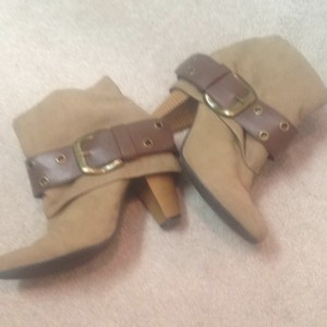 Decree tan with brown leather and gold detail Boots