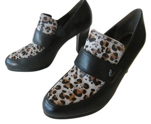 Naturalizer Leather Dyed Calf Fur Leopard Head Emblem Leopard Pattern Black/Gray Pumps