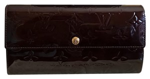 Louis Vuitton Sarah vernis bifold wallet