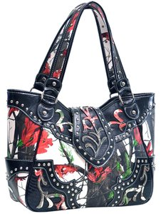Realtree Camouflage Army The Treasured Hippie Large Tote in Red