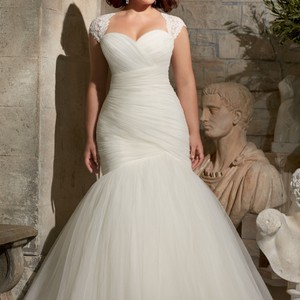 Mori Lee Mori Lee 3176 Plus Size Wedding Dress + Veil Wedding Dress