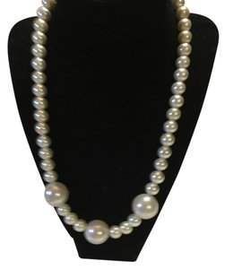 Anna's Art Beautiful Pearl Neckalce