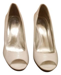 Style & Co Ladies Pumps White Platforms