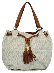 Michael Kors Jet Set Tote in Creme/Brown