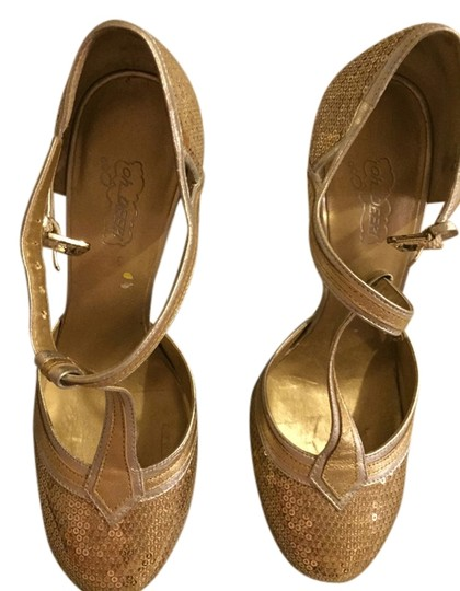 Preload https://item5.tradesy.com/images/oh-deer-gold-with-red-sandals-2040664-0-0.jpg?width=440&height=440