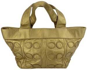Viva Of California Tote in Gold