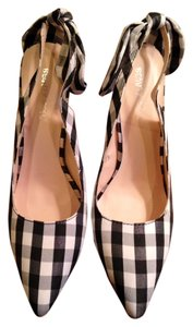 Beauty Heel New Black and White Pumps