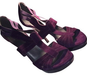 Stuart Weitzman Purple Pumps