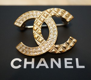 Chanel Chanel Gold Tone Half Crystal CC Logo Metal Brooch Pin