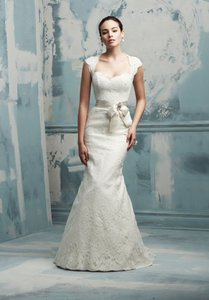 Paloma Blanca 4105 Wedding Dress
