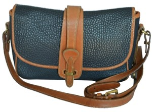 Dooney & Bourke & Vintage Pebbled Leather Shoulder Bag