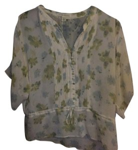 Banana Republic Top ivory with blue, green, and yellow floral pattern