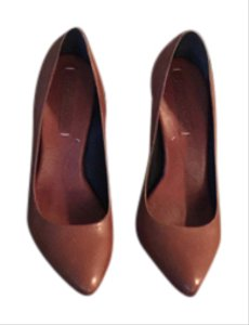 BCBGMAXAZRIA Caramel brown Pumps