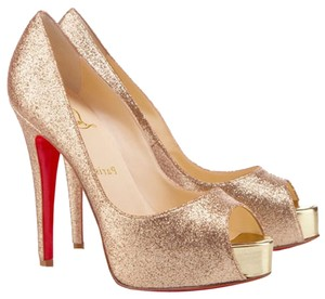 Christian Louboutin Leather Very Prive Peep Toe Hidden Platfrom Stilettto Gold Pumps