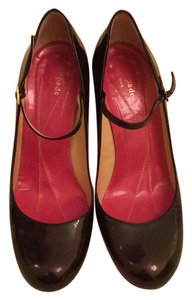 Kate Spade oil spill fish over a black/very dark grey shoe Pumps
