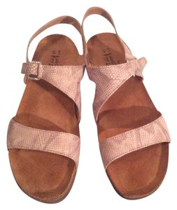 Naot Beige Gold multi Sandals
