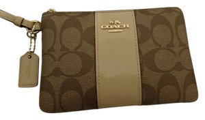 Coach Wristlet in Khaki and Plantinum