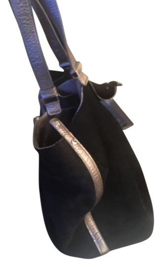 Preload https://img-static.tradesy.com/item/20414560/michael-kors-silver-and-black-reversible-leather-suade-tote-0-1-540-540.jpg