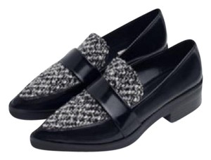 Zara Loafers Fabric White Black Flats