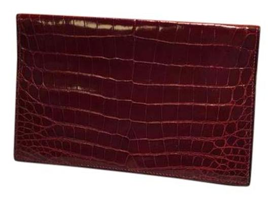 Preload https://img-static.tradesy.com/item/20416480/hermes-maroon-crocodile-checkbook-cover-0-1-540-540.jpg
