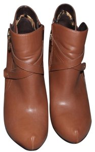 Guess Camel Brown Boots
