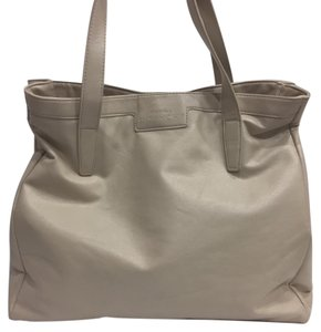 Givenchy Bags on Sale - Up to 70% off at Tradesy cc9d416991770