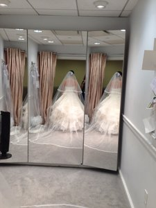 Double Tier Veil Matches Back To Wedding Gown Item #: 20417182