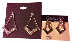 2-Peice Earrings Lot Brand New With Tags,Both Genuine Austrailiain Crystal Earrings,Bought from High-End GiftShop In Las Vegas Casino..Retail for Both $49.98