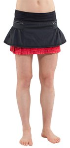 Lululemon Mini Skirt Black and red