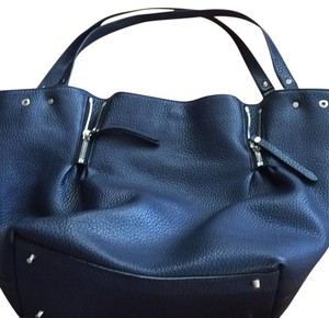 Burberry Tote in Bright Navy