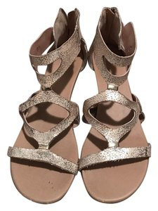 REPORT Strappy Shiny gold Sandals