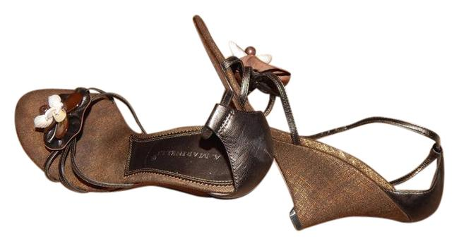 Item - Brown Metallic Sea Shell Sandals Size US 7.5 Regular (M, B)