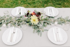 Silver/gray Tablecloths