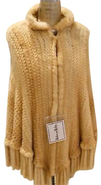 Item - Gold Dyed Knitted Mink (Selling Way Below Market Price) Poncho/Cape Size 6 (S)