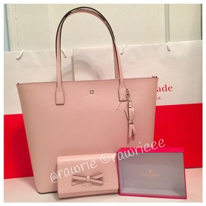 Kate Spade Set Gift Set Matching Set And Wallet Set Set Tote in Pink