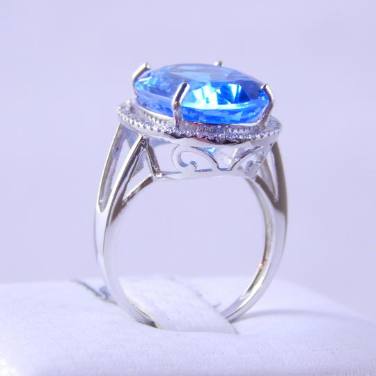 Custom-Made NATURAL BLUE TOPAZ OVAL RING w/HALO AROUND