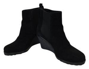 La Canadienne Water-repellant Water-resistant Wedge Slip On Black Boots