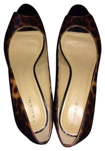 Tahari Peep Toe Stiletto Rubber Soles Animal Print Leopard? Pumps