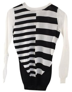 INTERMIX Top Black and White