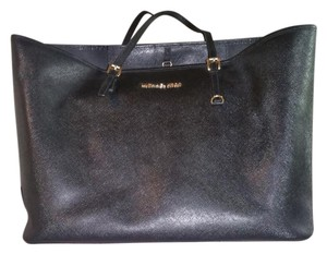 Michael Kors Extra Large Tote in Black