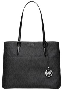 Michael Kors Tote in Black Signature