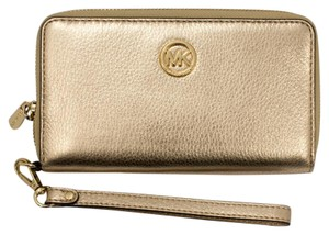 Michael Kors 35h5mfte3m Wristlet in Pale Gold