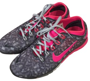 Nike Grey/neon pink Athletic