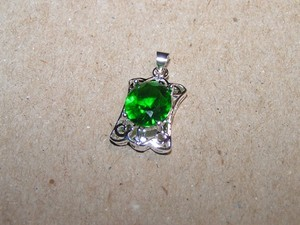Brilliant Emerald Green Zircon Pendant Free Necklace And Shipping