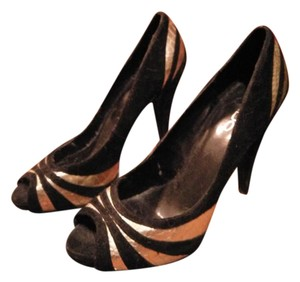 ALDO Open Toe Heel Platform Peep Toe Black and gold Pumps